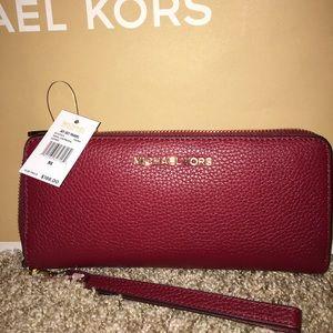 Michael Kors Jet Set Leather Wallet In Cherry